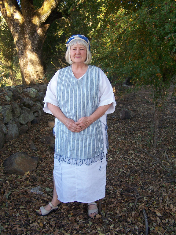 Ladies Caftan in 100% Linen is great for lounging, to throw on after a shower or even as a comfy nightgown.